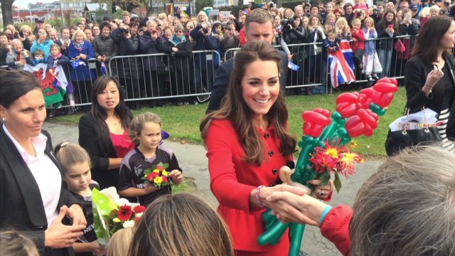 kate middleton flowers balloon_00010105.jpg
