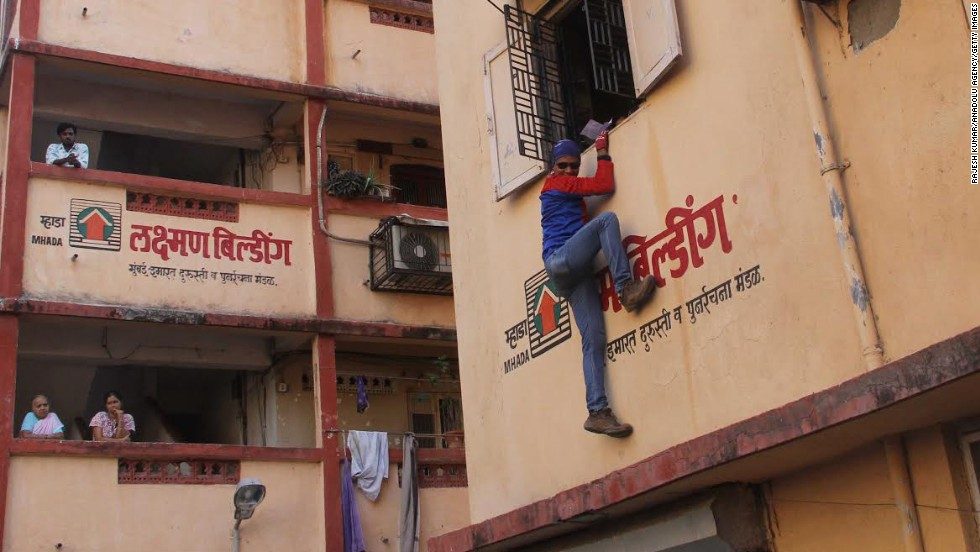 Gaurav Shrinivas Sharma, a climber nicknamed Indian Spiderman, campaigns in Mumbai, India, on Friday, April 11. Sharma is an independent candidate from the South Mumbai constituency.