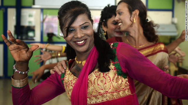 India gives rights to 'third gender'