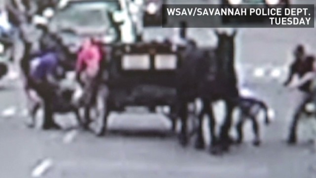 hln runaway horse drawn carriage _00003802.jpg