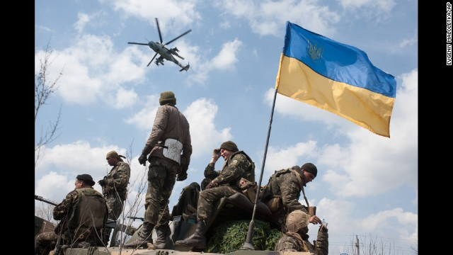 Militants, army face off in Ukraine