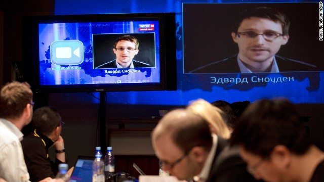 Snowden questions Putin on camera