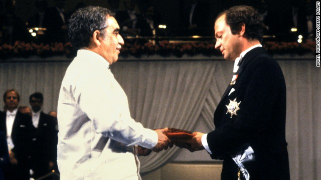 King Carl Gustav of Sweden, right, presents García Márquez with the Nobel Prize in Literature on December 10, 1982.