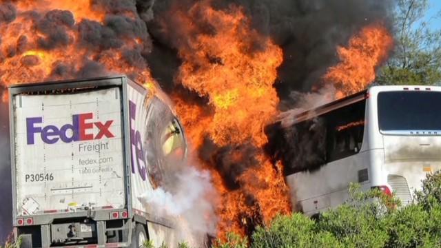 911 calls in California bus crash Earlystart_00000518.jpg