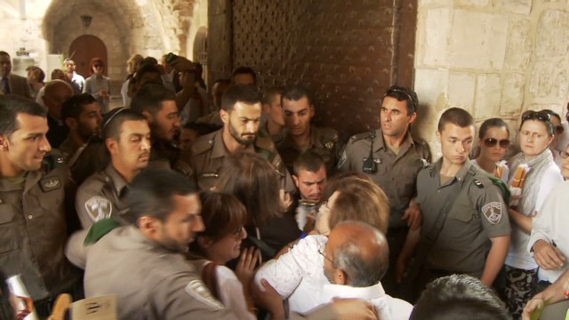 Israeli police blocks UN envoy_00004112.jpg