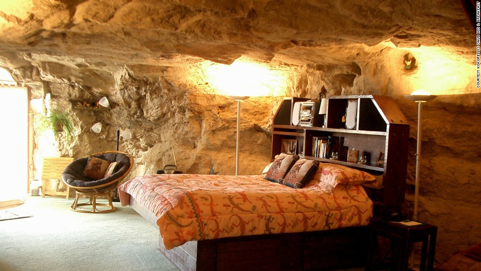 Guests here stay in a carpeted, fully furnished room 21 meters below the surface, dug into a cliff face of 65 million-year-old sandstone.