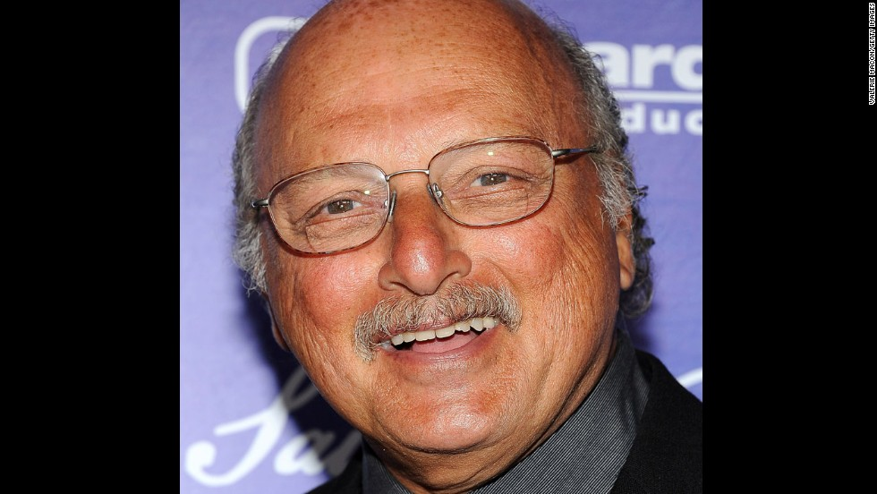 "Franz went on to greater fame as Andy Sipowicz on ""NYPD Blue,"" a role he played from 1993 to 2005. He's devoted the last few years to his family -- and remains<a href=""http://www.reelchicago.com/article/savor-100-years-wrigley-field-new-questar-dvd140310"" target=""_blank""> equally devoted to his hometown Chicago Cubs</a>."