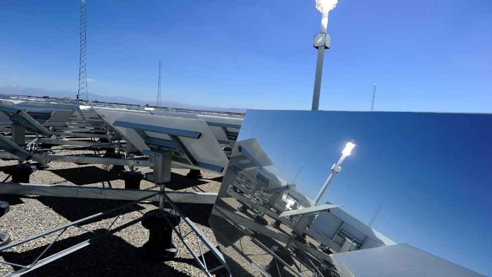 "<strong>Concentrated solar plants</strong> -- where rows of mirrors reflect the suns rays into a central generator tower -- already work a lot like a field of flowers. As the sun tracks across the sky, the shining mirrors rotate to follow it. But researchers at MIT have found that plants have more to offer -- and the secret is in the center of a <strong>sunflower</strong>. They tried to find the most efficient layout for a field full of mirrors and found their strange spiral-shaped answer<a href=""http://www.wired.co.uk/news/archive/2012-01/11/solar-biomimicry"" target=""_blank""> matched the arrangement of sunflower seeds in the head of the plant</a>."