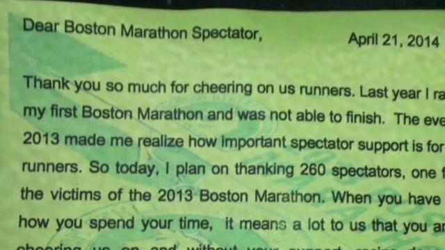 Runner thanks spectators at Boston Marathon Newday Good Stuff _00003225.jpg