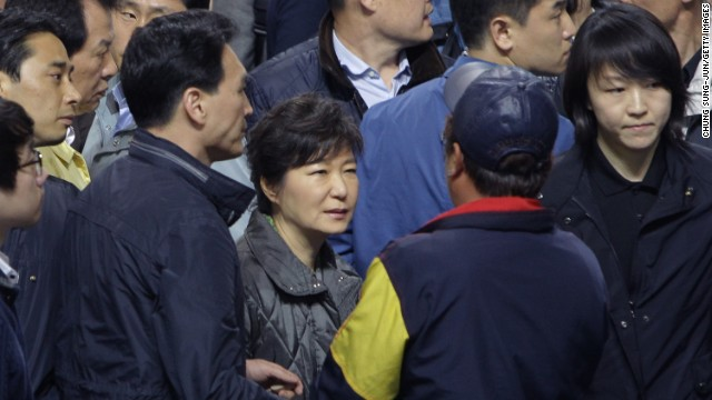 South Korean Presidnet Park Guen-hye meets relatives of those missing in the Sewol ferry disaster.