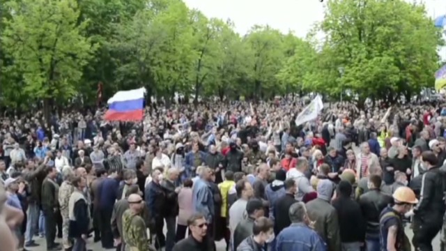 Separatists seize buildings in Ukraine