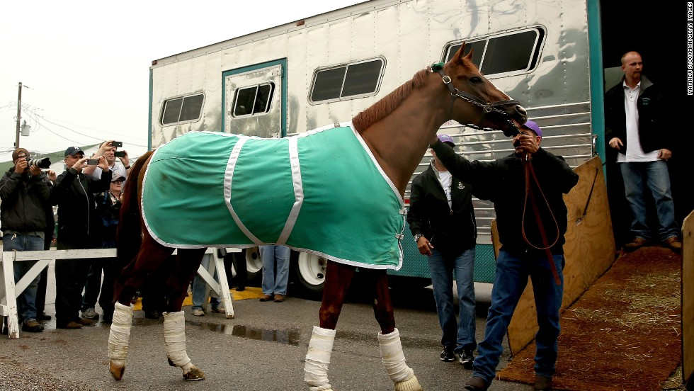 California Chrome has arrived at Louisville for the Kentucky Derby build-up and remains the favorite to win the famous trophy.
