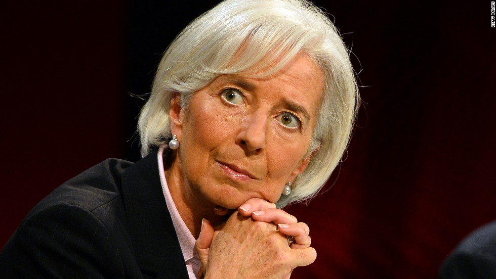 "<a href=""http://www.cnn.com/2013/01/02/world/christine-lagarde---fast-facts/"">Christine Lagarde</a>, managing director of the International Monetary Fund, withdrew her name as Smith College's commencement speaker after 500 people <a href=""http://www.ipetitions.com/petition/reconsider-the-smith-college-2014-commencement"" target=""_blank"">signed a petition</a> protesting the international organization's policies."