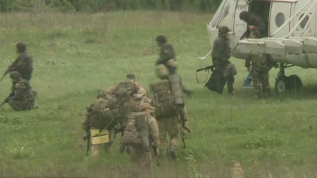 tsr dnt paton walsh ukraine army in slovyansk_00011419.jpg