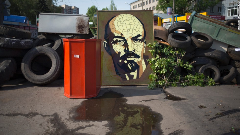 A portrait of Bolshevik leader Vladimir Lenin is part of a barricade in the center of Slovyansk on May 3. The city has become the focus of an armed pro-Russian, anti-government insurgency that aspires to give the eastern regions of Ukraine full autonomy.