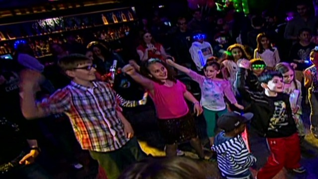 cnnee enc new york kids disco_00001116.jpg