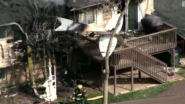 dnt co plane crashes into house_00002612.jpg