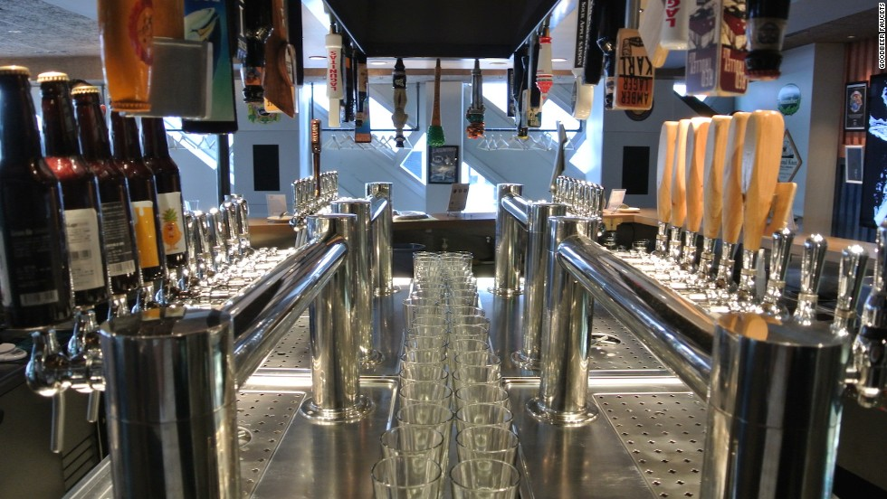 A short walk from Shibuya station, this cozy 40-tap space offers an elite selection of Japanese, American, Belgian and German beers.