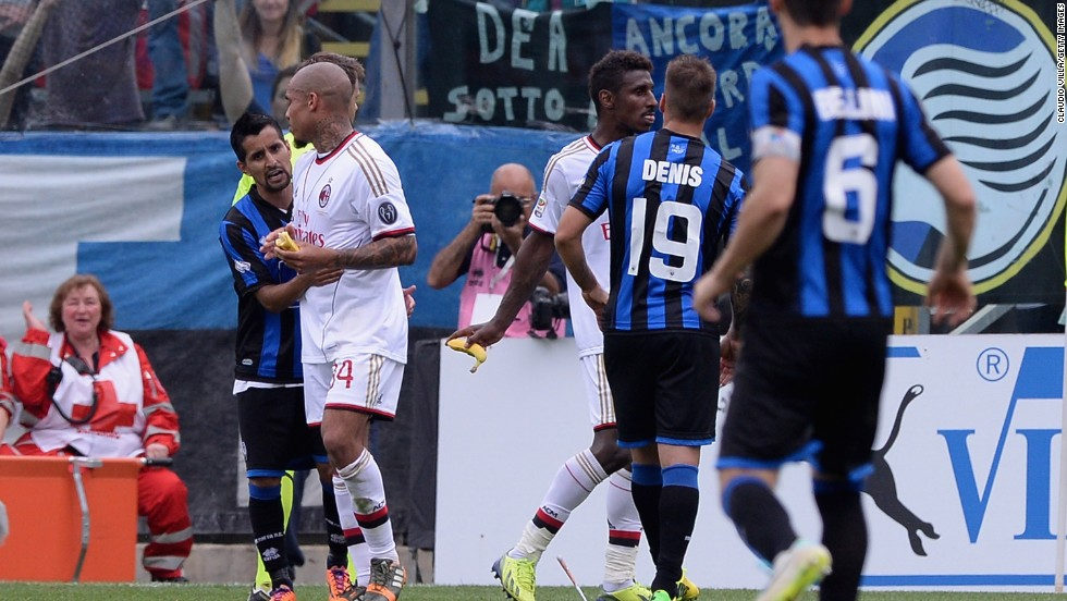 Milan midfielder Nigel de Jong was disgusted by the incident and remonstrated with Atalanta's players.