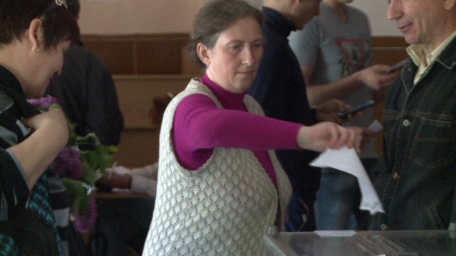 cnnee shubert donestsk double voting_00001710.jpg