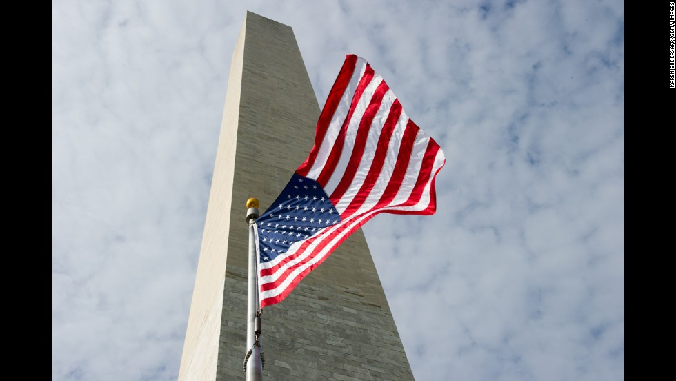 One of Washington's most popular sites, the 555-foot obelisk had been closed since the magnitude-5.8 earthquake on August 23, 2011, caused more than 150 cracks in the structure.