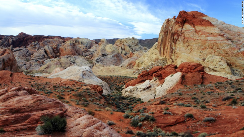 Nevada's Valley of Fire State Park plays host to remarkable rock formations created by shifting sane dunes some 150 million years ago.