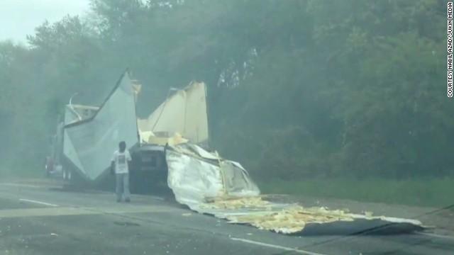 erin pkg moos truck hits bridge_00004208.jpg
