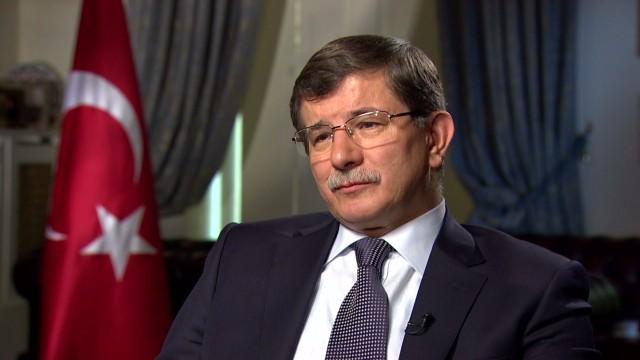 intv amanpour turkey Foreign Minister Ahmet Davutoğlu kick_00000023.jpg