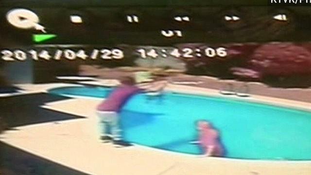 dnt hln toddler thrown in pool_00005328.jpg