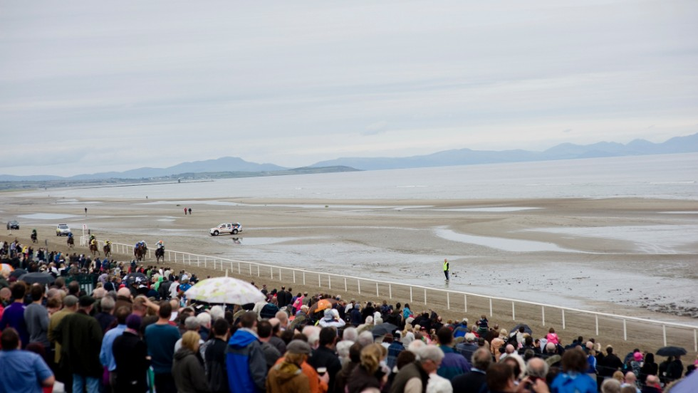 The novelty of the event attracts thousands of racegoers each year, packing the grandstand.