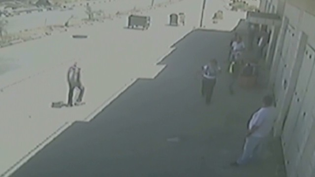 Palestinian youths shot dead on camera