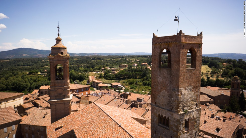 Citta della Pieve's alleyway opens up to a spellbinding views over the Umbrian countryside.