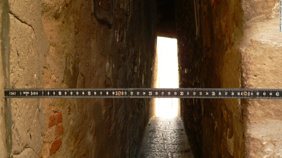 Villagers in the Italian hamlet of Termoli are determined to prove they have the narrowest alleyway in the country.