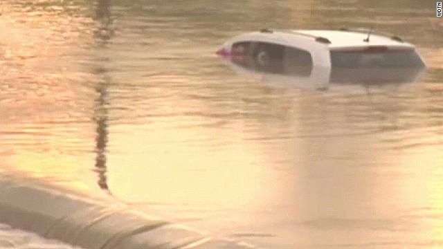 pkg ohio flood man saves family_00003528.jpg