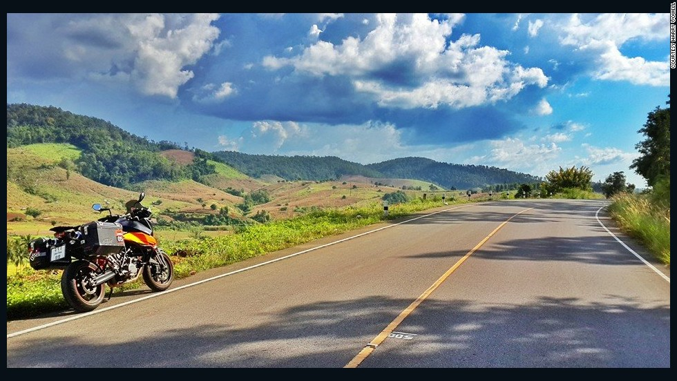 The roads around Chiang Mai are some of the most scenic in the country. One of the best is the Mae Hong Son Loop, a 600-kilometer (373-mile) journey that starts from Chiang Mai, and traveling counterclockwise, passes through Pai, Mae Hong Son and Mae Sariang.