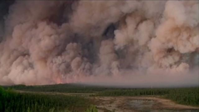 Evacuation urged as wildfire spreads