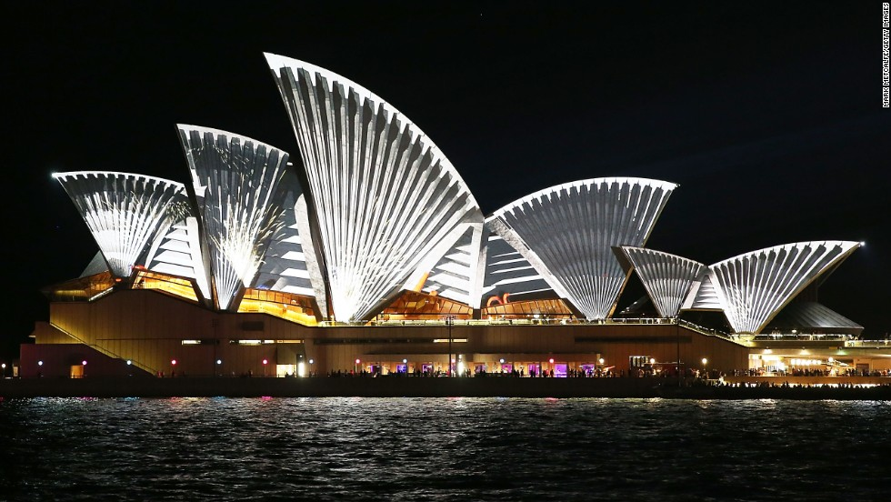 "The festival's official <a href=""https://twitter.com/VividSydney/status/470780589964947457"" target=""_blank"">Twitter</a> account is pushing out travel tips and real-time transport updates for the festival. The latest: ""Weekdays, especially from 10 p.m.-12 a.m. are the least crowded."""
