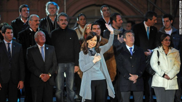 Argentine President Cristina Fernandez de Kirchner gestures during the commemoration of the 204th anniversary of the Argentine independence in Buenos Aires on May 25, 2014.
