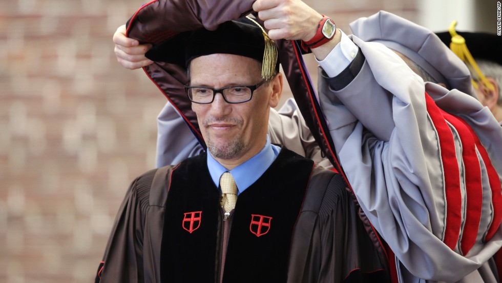 The U.S. secretary of labor received an honorary degree during commencement services at Brown University on May 25; he graduated from the school in 1983. Perez also spoke at Oberlin College's commencement ceremony on May 26.
