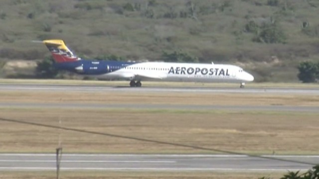 cnnee hernandez venezuela airline price increase_00021718.jpg