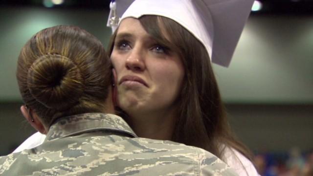 dnt soldier surprises sister at high school graduation_00014125.jpg