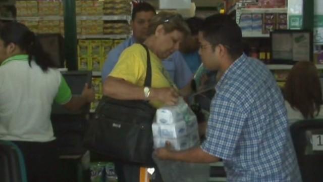 cnnee hernandez venezuela shortage misery_00022914.jpg