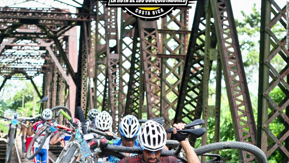 La Ruta begins in a Pacific surfing resort, rises into volcanic peaks and descends to the Caribbean coast. Along the way there's some tough terrain, and a few rickety-looking railway bridges to navigate.