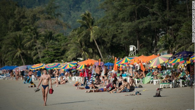 In an effort to boost Thailand's tourism industry, hit hard by the ongoing political situation, the military junta has lifted the nation-wide curfew in three tourist hotspots -- Pattaya, Ko Samui and Phuket. (File photo)
