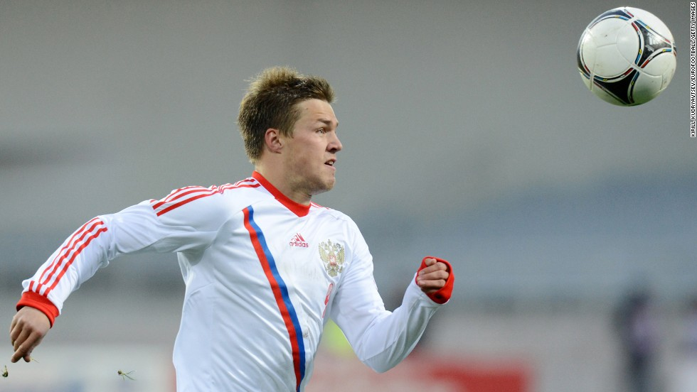 <strong>Maksim Kanunnikov (Russia):</strong> Boy, Fabio Capello better have this one right. The 22-year-old's first cap was last month, and his resume with three Russian clubs is mediocre. So why is he a player to watch? Because one has to wonder what Capello saw in Kanunnikov that convinced him to select him over the more talented Andrei Arshavin and Pavel Pogrebnyak. Will he break out or break down?