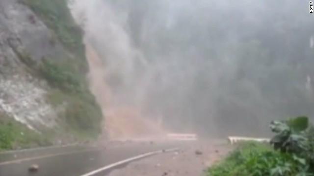 cnnee ruiz guatemala heavy rain_00000905.jpg