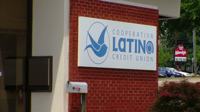 cnnee valdes us latino credit union_00001915.jpg
