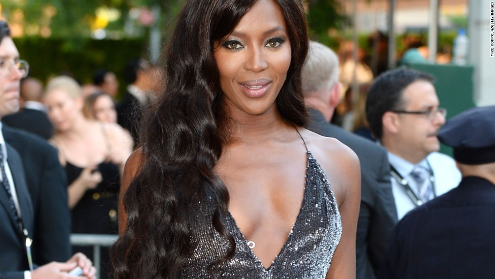 "Naomi Campbell and Alec Baldwin have at least one thing in common: they know how to give excellent non-apologies. When she got into a tiff with airline British Airways over lost baggage in 2008, the supermodel apologized <a href=""http://www.cnn.com/2008/SHOWBIZ/06/20/campbell.court/index.html?iref=allsearch"" target=""_blank"">for assaulting police</a> but refused to apologize to British Airways, which she accused of racism."