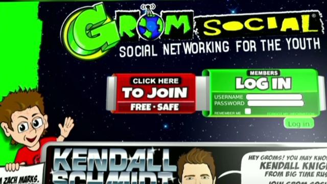 cnnee burke cibercafe children social network_00024025.jpg