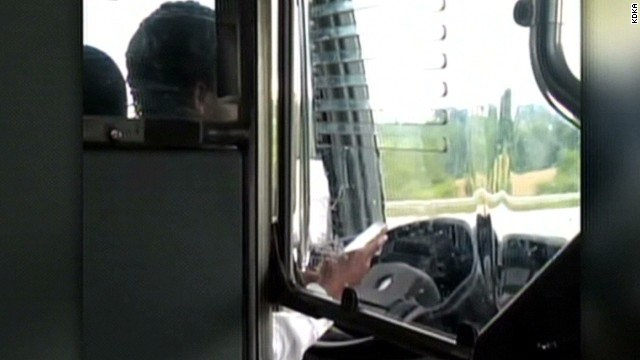 pk texting bus driver_00002617.jpg